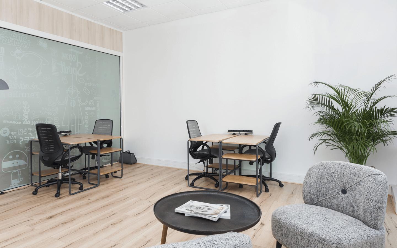 Des bureaux designs et fonctionnels<br/><p>+</p>